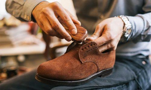 chistka-zamshevoj-obuvi-svoimi-rukami
